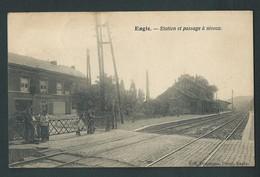 ENGIS. Station, Passage à Niveau, Gare, Chemin De Fer. Animée,  Rare. Voir Les 3 Scans. - Engis
