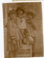 Enfant Kid  Trio Fille Girl Cute Marin Marinière XIX Fashion Pipe Jeu Pose Portrait Garçon Short - Anonyme Personen