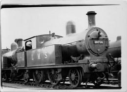 Railway Photo LMS 2P 10714 L&YR 1008 Class Aspinall 2-4-2T Loco - Eisenbahnen