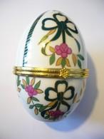 2x Porzellan Ei-Deckel-Dose  (577) - Eggs