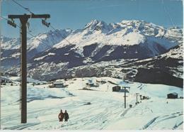 Skigebiet Piz Mundaun Mittelstation Cuolm Sura Mit Bergrestaurant Und Lift-Sektion Plitsches - GR Grisons