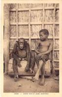 GABON Gabun - Enfant Noir Et Jeune Chimpanzé / Black Child And Young Chimpanzee - CPA - AFRIQUE Noire Black Africa - Gabon