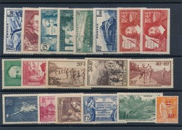 CE-58: FRANCE: Lot Avec Timbres  De 1937**/* Tous Comptés * - Neufs