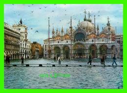 VENEZIA, ITALIA - ACQUA ALTA IN PIAZZA SAN MARCO - HAUTE MER PIAZZA SAN MARCO - - Venezia (Venice)
