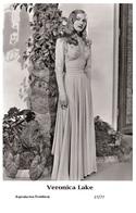 VERONICA LAKE - Film Star Pin Up PHOTO POSTCARD - 27-77 Swiftsure Postcard - Postales