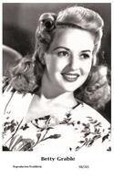 BETTY GRABLE - Film Star Pin Up PHOTO POSTCARD - 98-201 Swiftsure Postcard - Postales