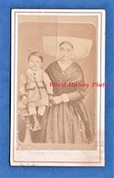 Photo Ancienne CDV Vers 1870 - COGNAC - Portrait Jeune Fille & Enfant - Photographe Miranda Coiffe Costume Folklore - Antiche (ante 1900)