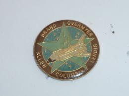 Pin's NAVETTE COLUMBIA, ALLEN / BRAND / OVERMYER / LENOIR - Space