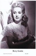 BETTY GRABLE - Film Star Pin Up PHOTO POSTCARD - 98-200 Swiftsure Postcard - Postales