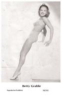 BETTY GRABLE - Film Star Pin Up PHOTO POSTCARD - 98-202 Swiftsure Postcard - Postales