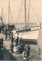 Photo Amateur - 29 DOUARNENEZ Pêcheurs Dansle Port Août 1956 - No CPA - Douarnenez