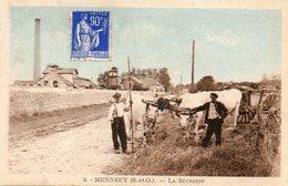 CPA - MENNECY (91) - Aspect De L'attelage De Boeufs Avec Tombreau Devant La Sucrerie Dans Les Années 30 - Mennecy