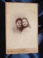 Photo Cabinet A. Lumière à Lyon - Portrait Femme Et Jeune Fille, Berthe (née Renault) Et Jane Parrot En 1897 L389 - Foto