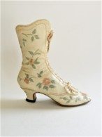 CHAUSSURE MINIATURE COLLECTION VICTORIAN WEDDING BOOT JUST THE RIGHT SHOE - Other