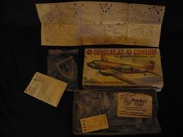 Flugzeug-Bausatz In Org. Karton DOUGLAS AC-47 GUNSHIP (600) - Airplanes