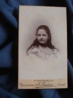 Photo CDV  Lumière à Lyon  Portrait Jeune Fille  Cheveux Longs (Jane Parrot)  CA 1895-1900 - L389H - Foto