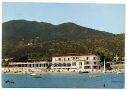Le Lavandou - Hôtel Des Bains - Le Lavandou