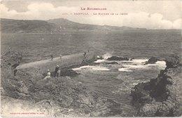FR66 BANYULS SUR MER - Labouche 411 - Les Rochers De La Jetée - Animée - Belle - Banyuls Sur Mer