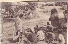 Pêcheur Lebou Vendant Son Poisson - Senegal