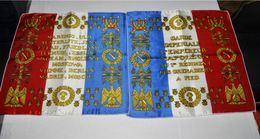 2 Petits Carres De La Garde Imperiale L'empereur Napoléon Au 1er Regiment Des Grenadiers - Militair