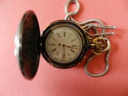 Montre Gousset Quartz - Chatelaine -  Deux Côtés Ciselés Fleurs Or Sur Noir - Chiffres Romain - Horloge: Zakhorloge