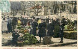 45  PITHIVIERS   LE MARCHE AUX LEGUMES TRES ANIME - Pithiviers