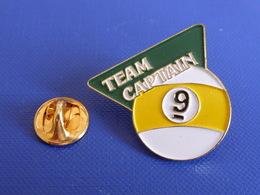 Pin's Billard Team Captain - Boule Rayure Jaune N° 9 (PU30) - Billard