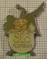 SOS PLOMBIER PIN UP Dans Sa BAIGNOIRE - Pin-ups