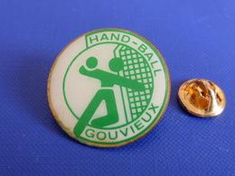 Pin's Hand Ball Handball Club Gouvieux - Oise (PW43) - Handball