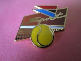 PIN'S    AIR INTER  SPORT  TENNIS   BALLARD  DORE OR FIN - Tennis