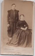 Militaria/Petite Photo Ancienne Montée Sur Carton/Militaire Et Femme/CREPIN &  Fils/Paris /vers 1860-1870    PHOTN376 - Guerra, Militari