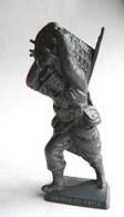 FIGURINE PUBLICITAIRE MOKAREX - LA GRANDE GUERRE - SAPEUR DU GENIE (1) - Figurines