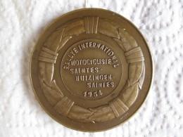 Médaille Rallye International Motocycliste Saintes - Huizingen - Saintes 1954 , Par Michel - Non Classés