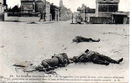 Guerre De 1914-15 - Le 20 Septembre Trois Espions Pénètrent Dans La Ville De Soissons ; Ils Furent Surpris Et Fusillés - Sissonne