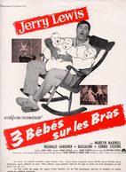 Dossier De Presse Cinéma. Affichette 3 Bébés Sur Les Bras Avec Jerry Lewis. - Cinema Advertisement