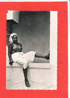 Femme Seins NU Cpsm Animée Une Mauresque ( Prostitution )    2511 La Cigogne - Afrique Du Nord (Maghreb)