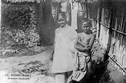 PONDICHERY - Jeunes Hindous - Inde