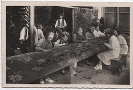 Carte Postale Ancienne / AUBUSSON/ Creuse/Fabrication De Tapis/ Maison Sabards/1942    PHOTN387 - Professions