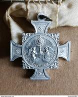 Medaille Religieuse - Religion ésotérisme:  Broche Jeunes Gardes Du Saint Sacrement - Religión & Esoterismo