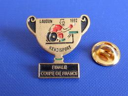 Pin's Laudun 1992 Handisport - Finale Coupe De France - Ping Pong Tennis De Table (PK18) - Tenis De Mesa