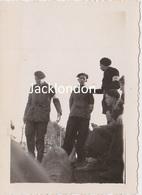 NANTES  - Photographie Originale - Bombardements 1943 - Membres Du SGJ  Équipes Nationales - War, Military