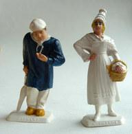 FIGURINE PUBLICITAIRE MOKAREX - PROVINCES DE FRANCE -  2 FIGURINES COUPLE NORMAND Normandie - Figurines