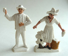 FIGURINE PUBLICITAIRE MOKAREX - PROVINCES DE FRANCE -  2 FIGURINES COUPLE ANGEVIN Anjou - Figurines