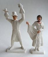 FIGURINE PUBLICITAIRE MOKAREX - PROVINCES DE FRANCE -  2 FIGURINES COUPLE LYONNAIS Lyon - Figurines