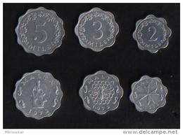MALTA -  SET OF 3 MALTA COINS / 2 - 3 - 5 - MILS 1972 - Malte