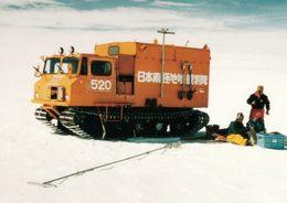 1 AK Antarctica * Scientits Working Near Showa Base Auf Der Ongul-Insel Vor Der Küste Des Königin-Maud-Lands * - Ansichtskarten