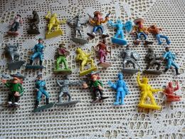 23 Figurines Personnages Divers (soldats, Guerriers Etc) - Figurines