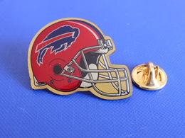 Pin's Foot Football Américain - Casque Des Bills De Buffalo - NFL (PS52) - Badges