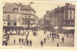 AMIENS : LA PLACE GAMBETTA.ANIMEE.N.CIRCULEE.T.T.B.ETAT.PETIT PRIX.COMPAREZ!!! - Amiens
