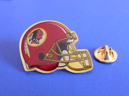 Pin's Foot Football Américain - Casque Des Washington Redskins - NFL (PS57) - Badges
